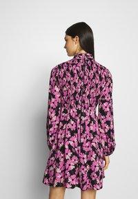 kate spade new york - WALLFLOWER DRESS - Day dress - black - 2