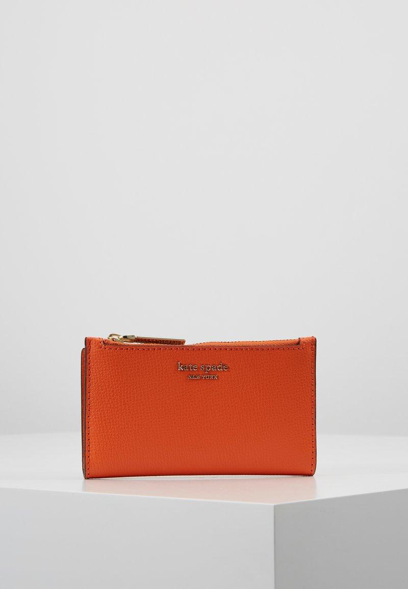 kate spade new york - SYLVIA SMALL SLIM BIFOLD WALLET - Portfel - juicy orange