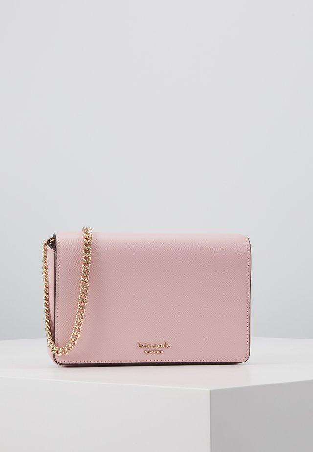 REECE CHAIN WALLET - Geldbörse - tutu pink