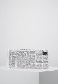 kate spade new york - GLITZY RITZY NEWSPAPER  - Clutch - multi - 2