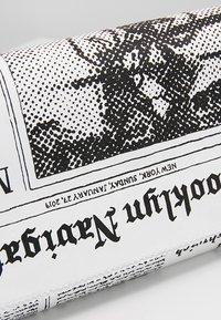 kate spade new york - GLITZY RITZY NEWSPAPER  - Clutch - multi - 6