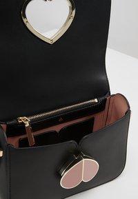 kate spade new york - NICOLA TWISTLOCK - Across body bag - black - 4