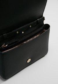 kate spade new york - SYLVIA CHAIN - Across body bag - black - 4