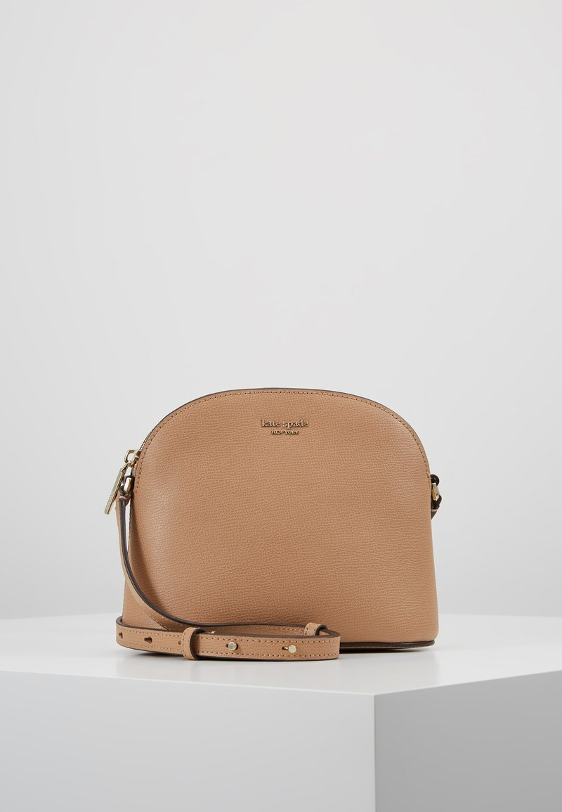 kate spade new york - SYLVIA MEDIUM DOME CROSSBODY - Across body bag - light fawn