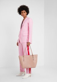 kate spade new york - POLLY LARGE TOTE - Tote bag - flapper pink - 1