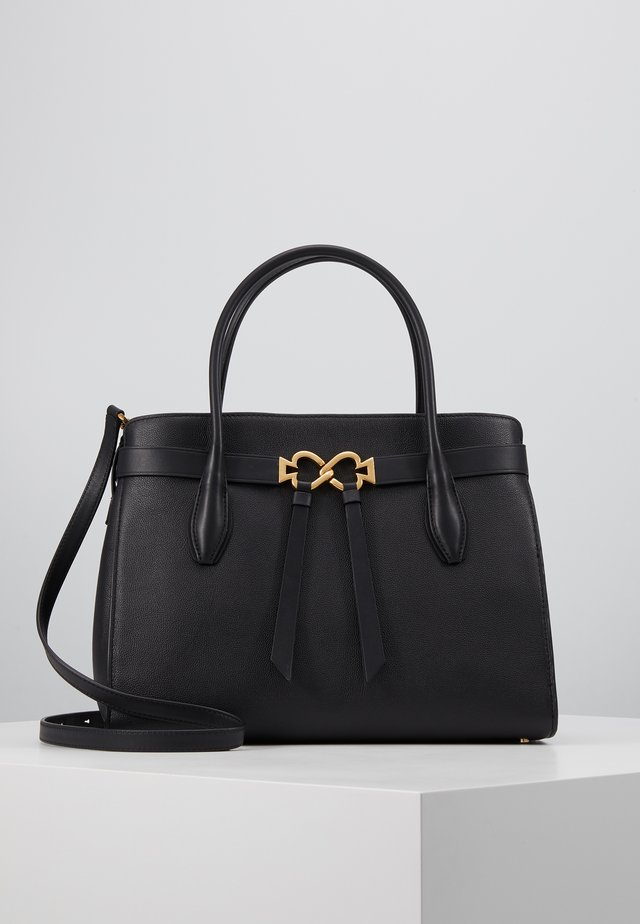 QUINN LARGE SATCHEL - Håndveske - black