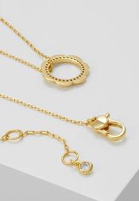 kate spade new york - SLENDER SCALLOPS CIRCLE PENDANT - Halskette - clear/gold-coloured - 2