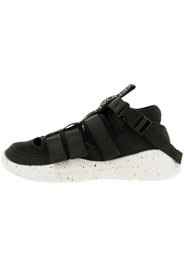 NOVA - Sneakers laag - black-black