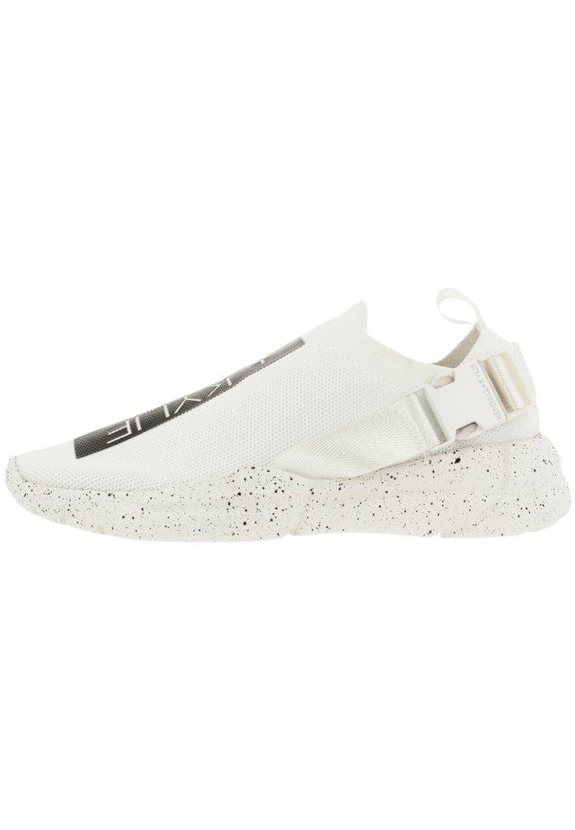 NYA BUCKLE - Sneakers laag - white