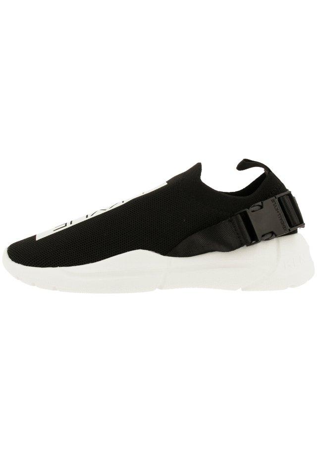 NYA BUCKLE - Sneakers laag - black