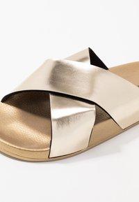 Kaltur - Pantofle - gold - 2