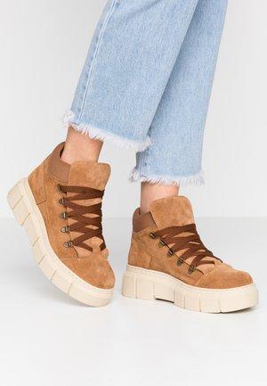 Korte laarzen - tan
