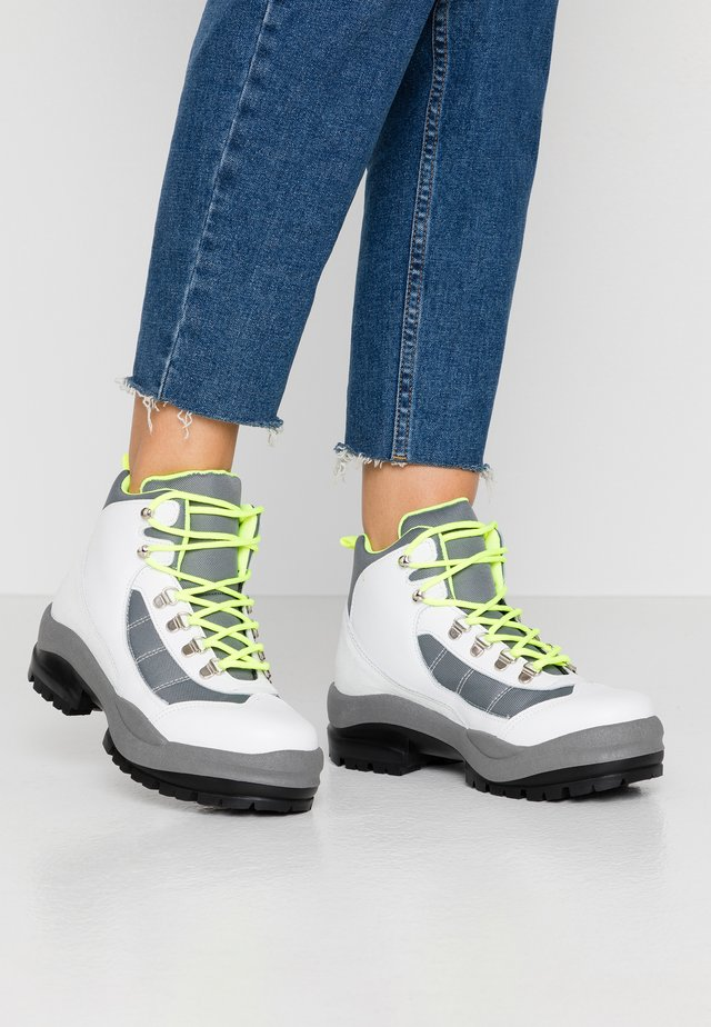 Ankle boots - white/neon yellow