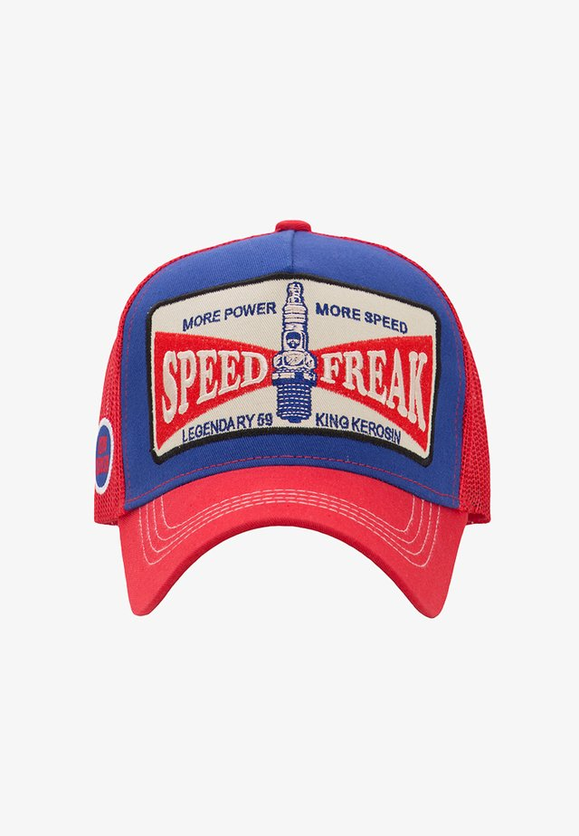 TRUCKER MIT FRONT PATCH MORE POWER - Cap - red