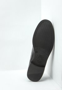 Keddo - Loaferit/pistokkaat - black - 5