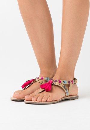 NAYA - T-bar sandals - or