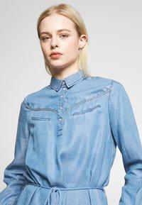 Kaporal - BARTH - Robe en jean - light blue - 4