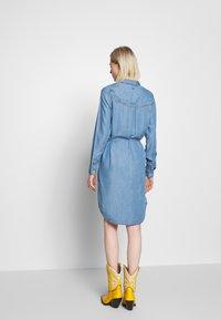 Kaporal - BARTH - Robe en jean - light blue - 2
