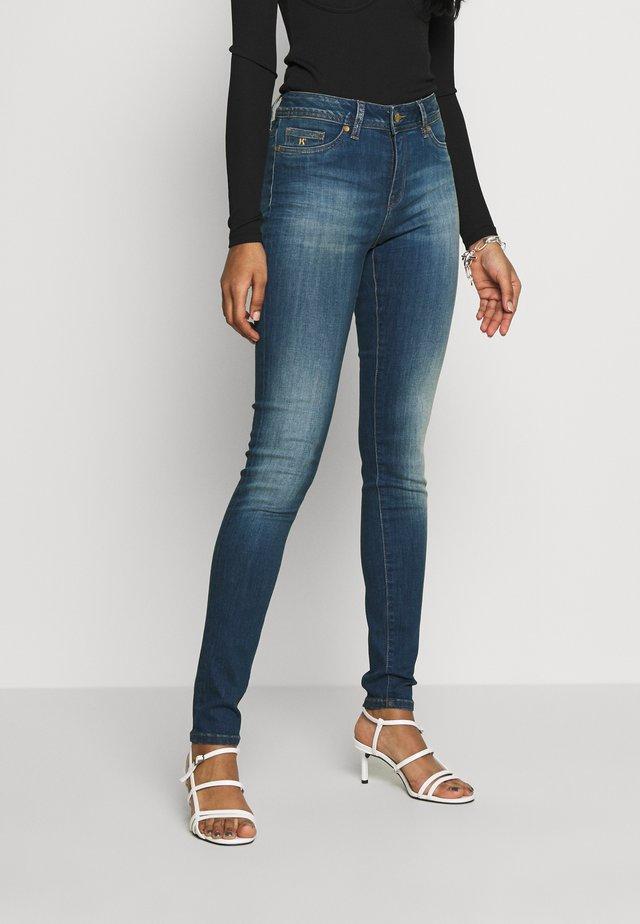 SOHERE - Jeans Skinny Fit - applej