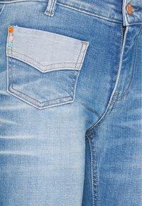 Kaporal - FAVOR - Jean bootcut - blue denim - 2