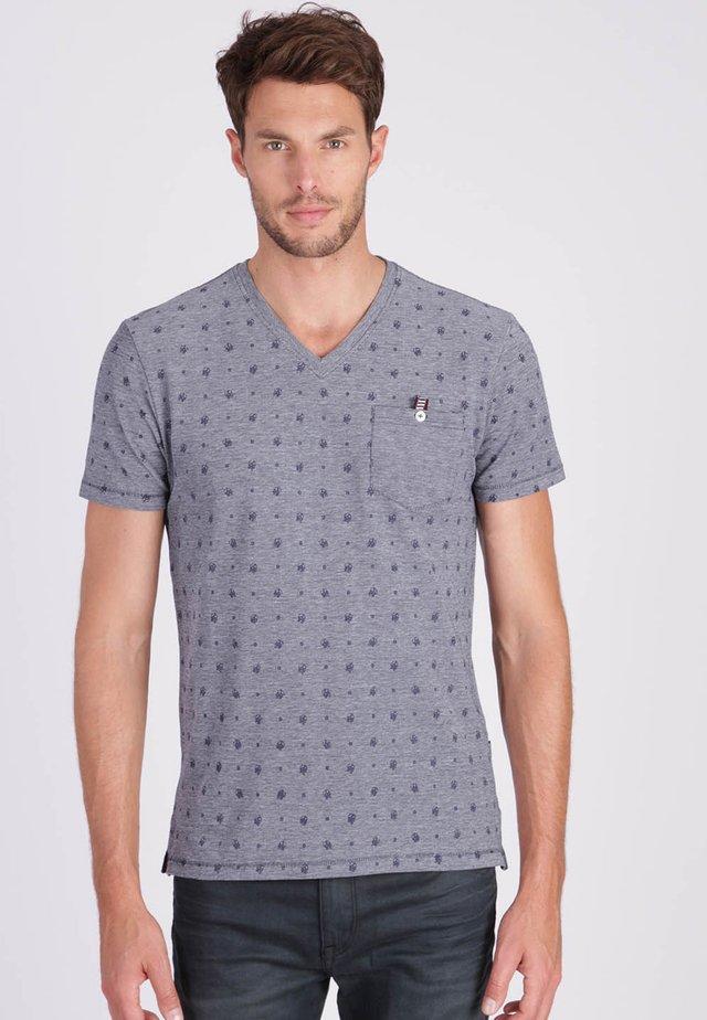 MIT DEZENTEM ALLOVER MUSTER - T-shirt imprimé - blue