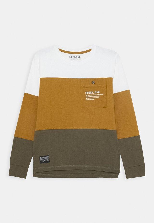 OLVEN - Langærmede T-shirts - bronze