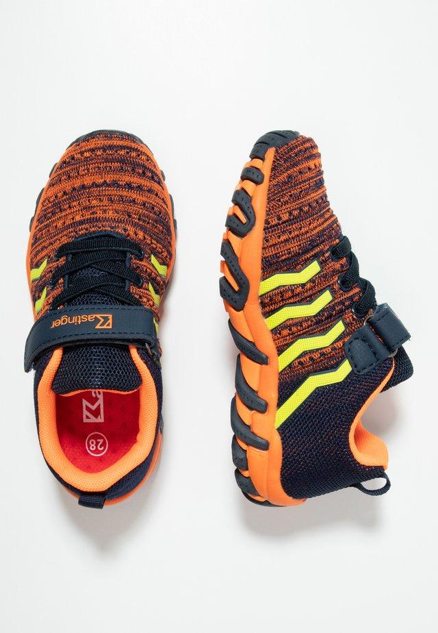 COLOUER - Trekingové boty - dark navy/orange