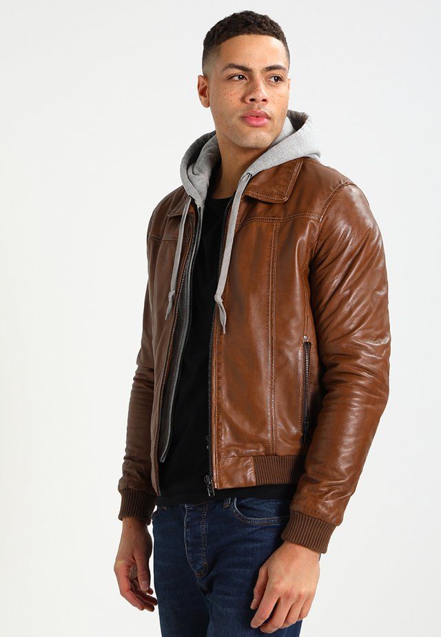 HOOD - Leather jacket - oxblood