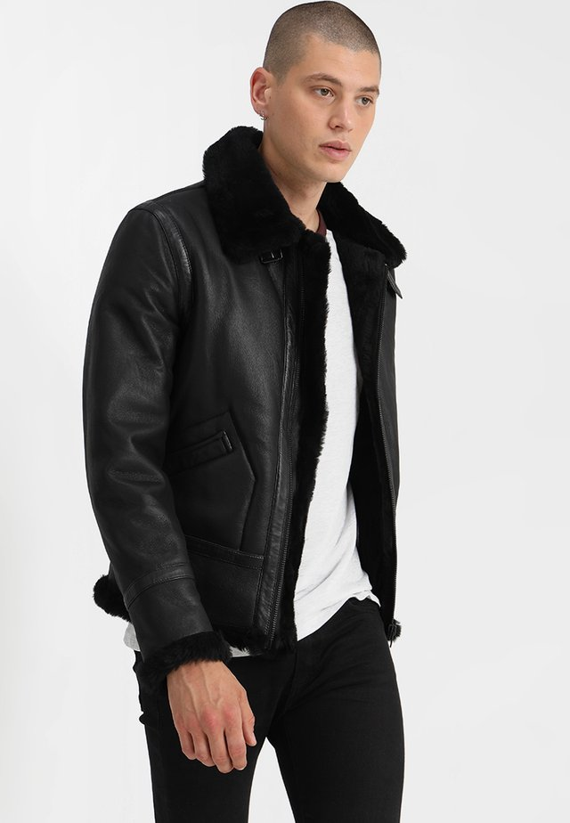 KENNEDI SHEARLING - Skinnjakke - black