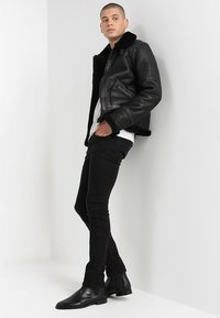 Serge Pariente - KENNEDI SHEARLING - Kožená bunda - black - 1