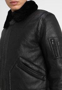 Serge Pariente - KENNEDI SHEARLING - Kožená bunda - black - 4