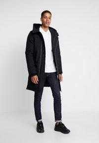 Serge Pariente - GROUND - Down coat - black - 1