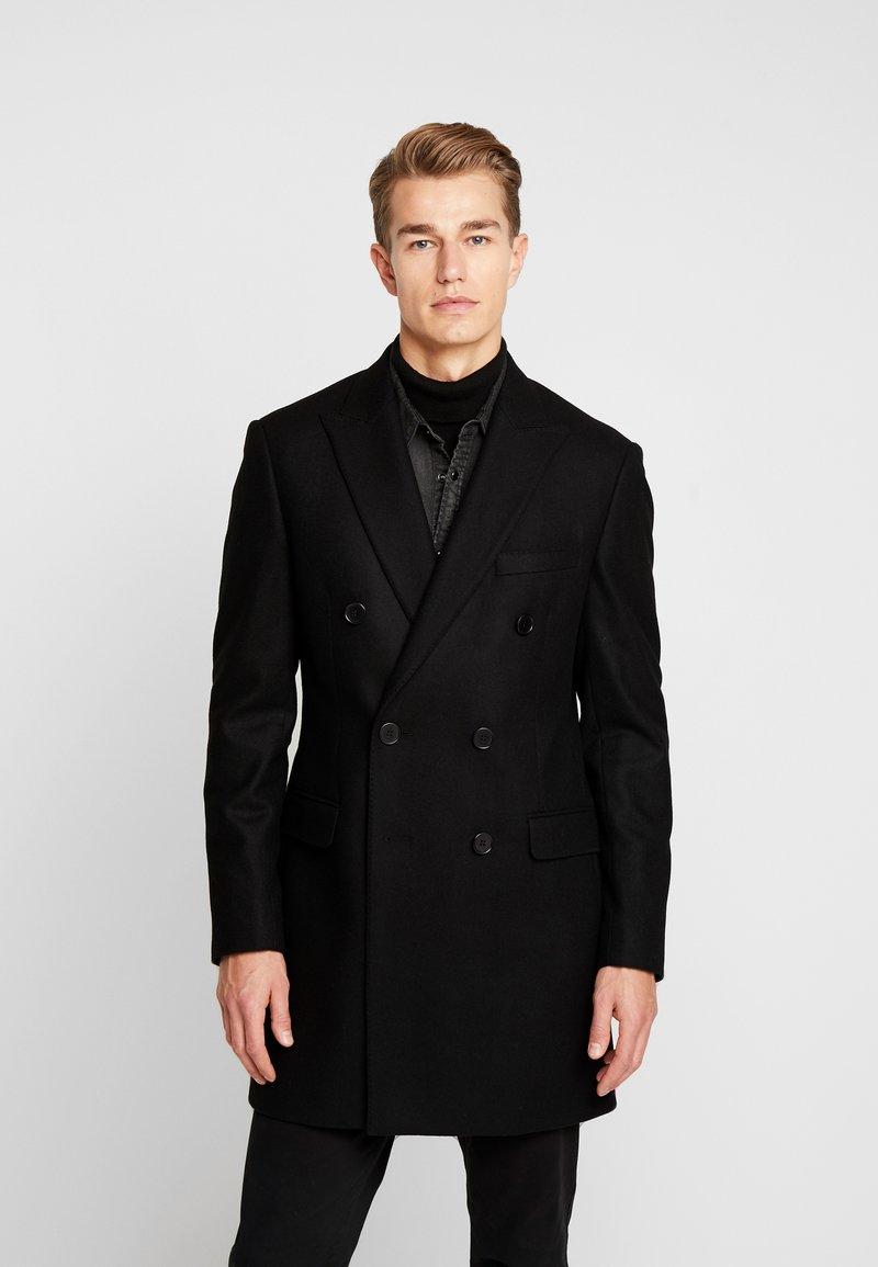 Kenio   Short Coat by Serge Pariente