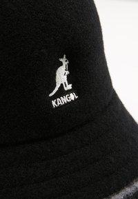 Kangol - STRIPE CASUAL - Hat - black/offwhite - 3