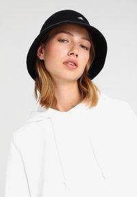 Kangol - STRIPE CASUAL - Hat - black/offwhite - 4