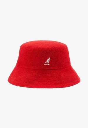 BERMUDA BUCKET - Sombrero - scarlet