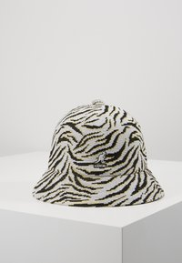Kangol - CARNIVAL CASUAL - Hat - white/black - 0