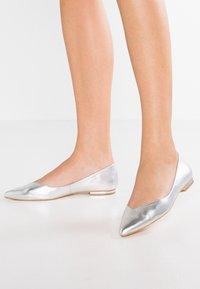 KIOMI - Ballerinat - silver - 0
