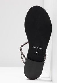 KIOMI - Sandály s odděleným palcem - black - 6