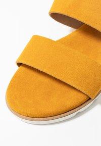 KIOMI - Sandalen - yellow - 2