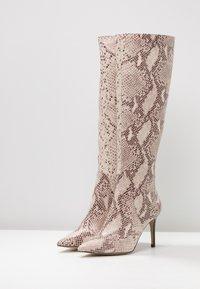 KIOMI - Boots med høye hæler - beige - 4
