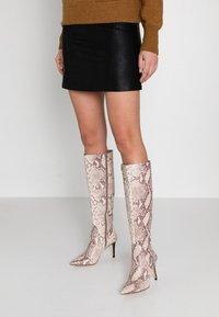 KIOMI - Boots med høye hæler - beige - 0