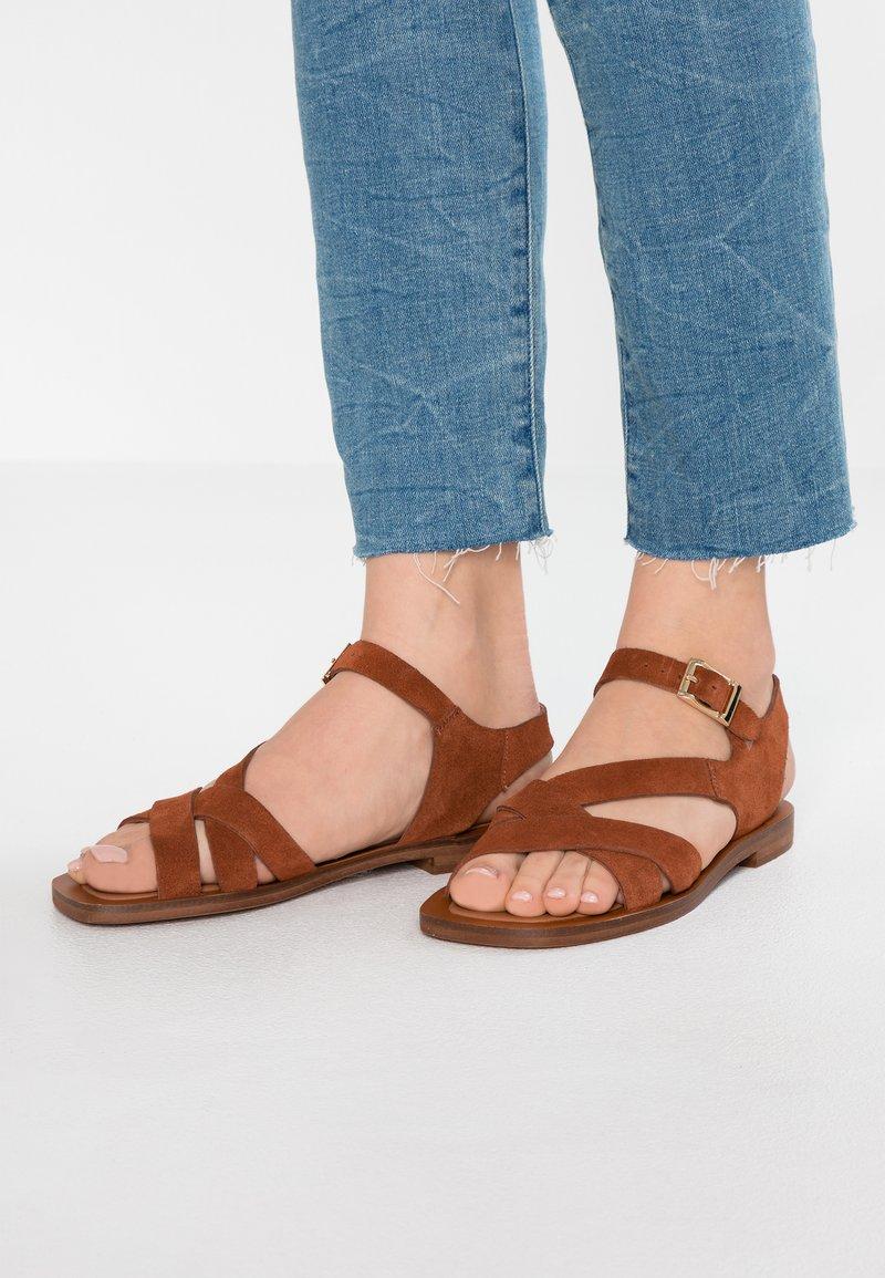 KIOMI - Sandals - brown