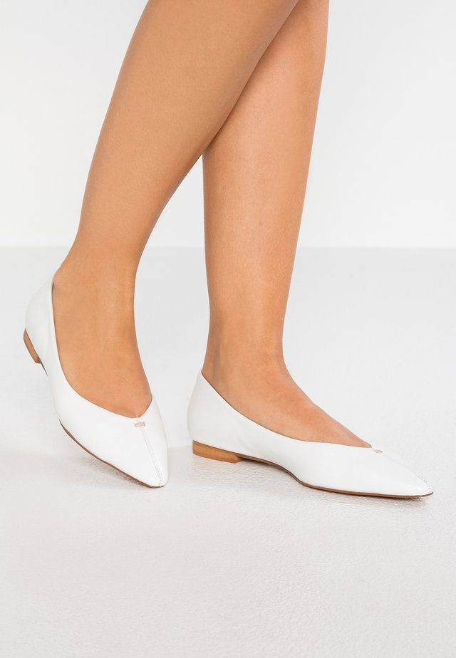 Klassischer  Ballerina - white