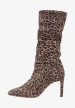 Boots med høye hæler - brown