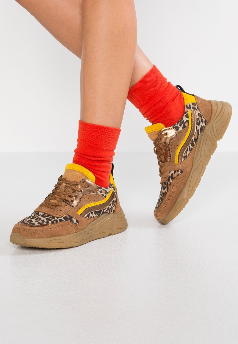 KIOMI - Sneaker low - multicolor