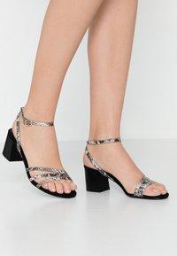 KIOMI - Sandals - multicolor - 0