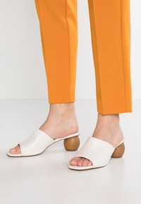 KIOMI - Heeled mules - white - 0