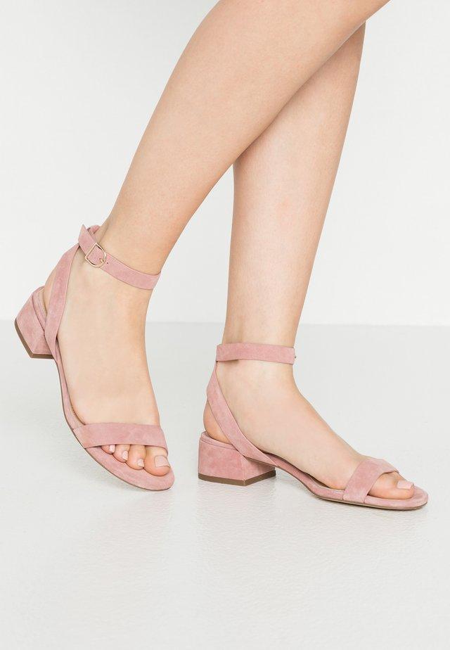 Sandały - mauve