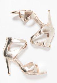 KIOMI - Sandaletter - gold - 3